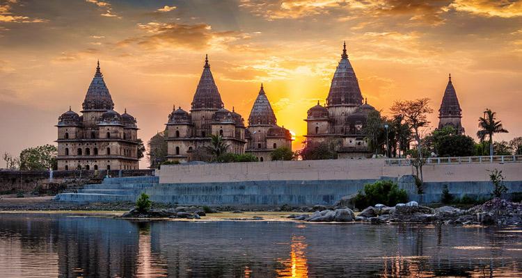 Delhi Varanasi Khajuraho Orchha Agra Tour